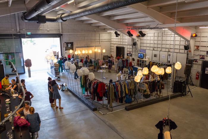Photo du marché de mode éthique au festival fashion revolution Sierre 2018